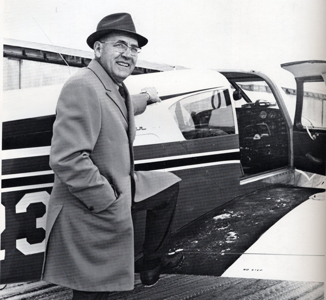 Harold Buckingham boarding the school plane (003)